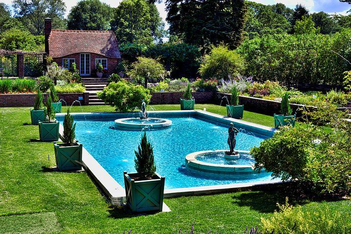 Construire soi-même une piscine dans le jardin